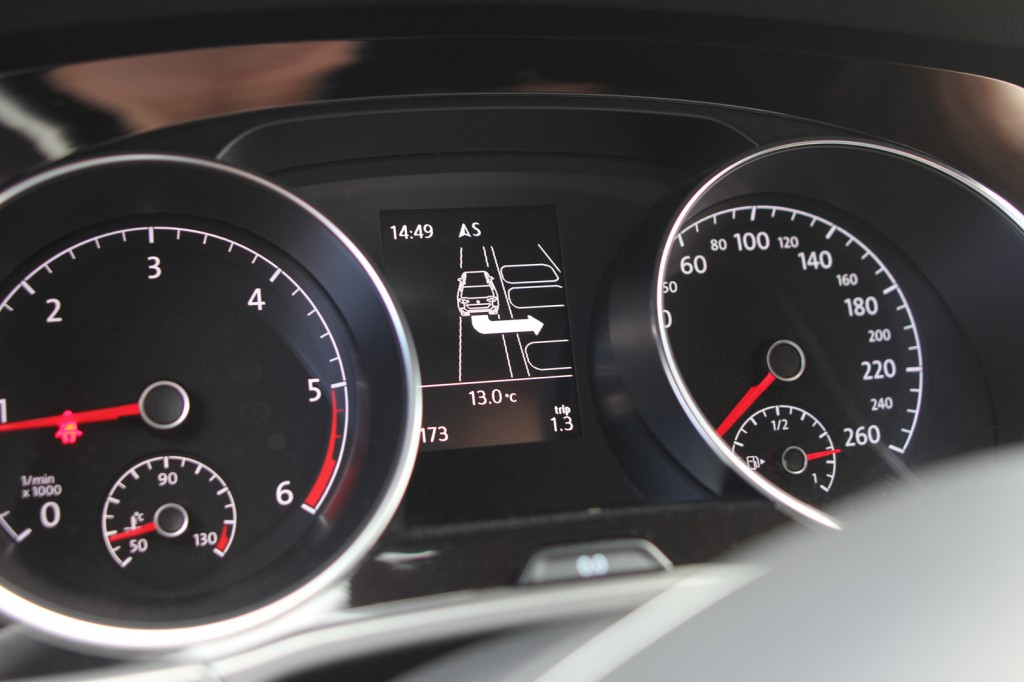 how to use vw golf park assist