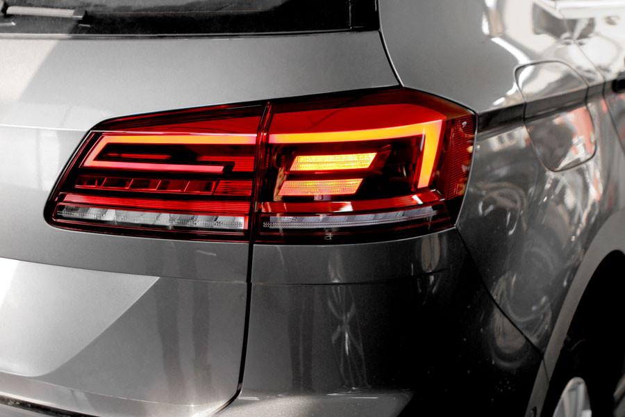 complete kit facelift led rear lights for vw golf 7 sportsvan. Black Bedroom Furniture Sets. Home Design Ideas